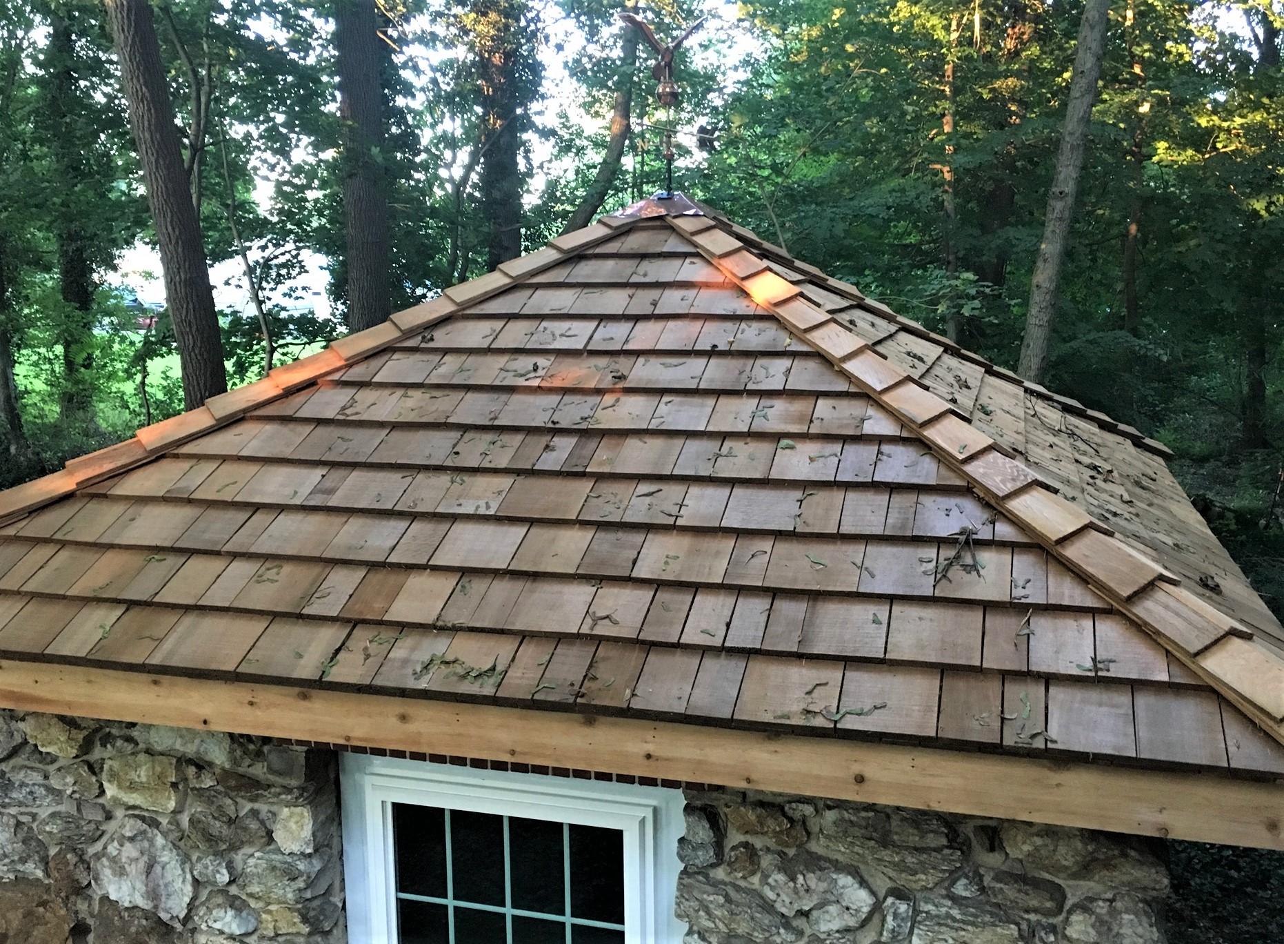 A roof made of cedar shingles