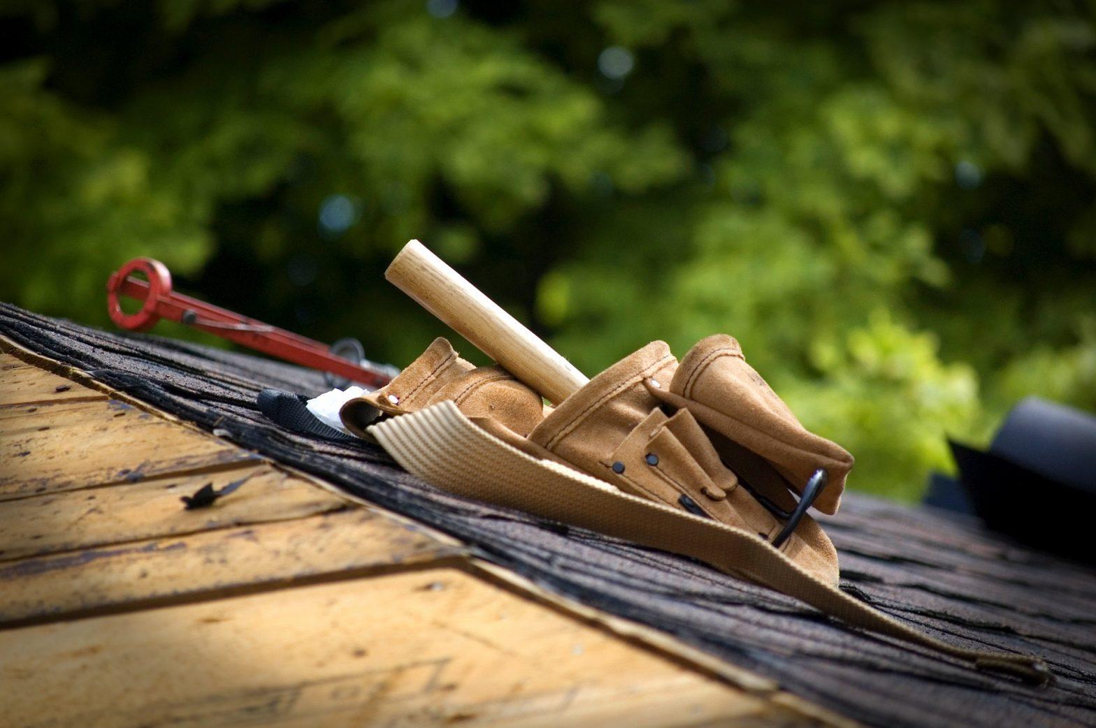 tool belt on roof